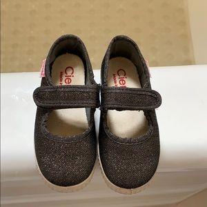 Cienta black sparkle maryjane sneakers size 7